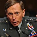 Tin tức trong ngày - Thừa nhận ngoại tình, Giám đốc CIA từ chức