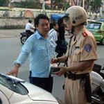 Tin tức trong ngày - Mượn xe có đủ giấy tờ không bị xử phạt