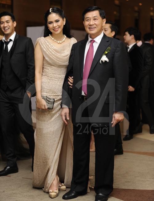 Ngỡ ngàng với mẹ chồng Hà Tăng - 2