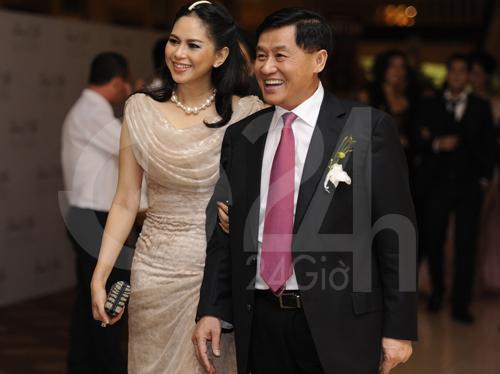 Ngỡ ngàng với mẹ chồng Hà Tăng - 7