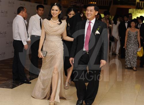 Ngỡ ngàng với mẹ chồng Hà Tăng - 8
