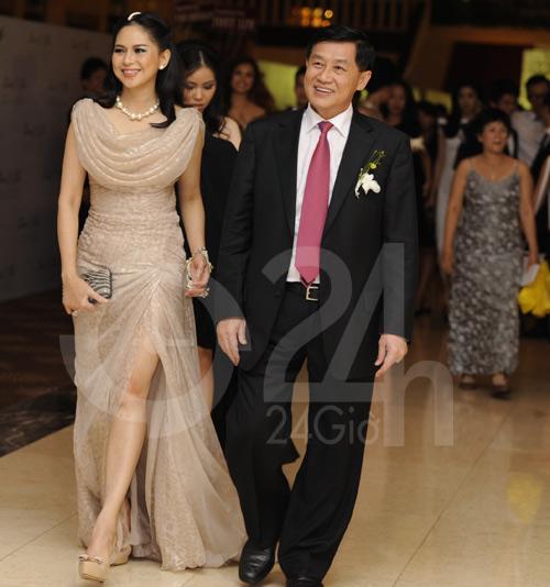 Ngỡ ngàng với mẹ chồng Hà Tăng - 9