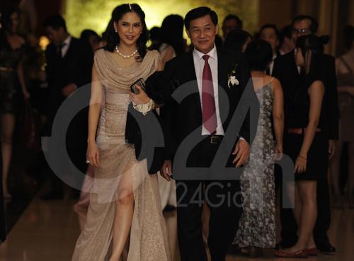 Ngỡ ngàng với mẹ chồng Hà Tăng - 12