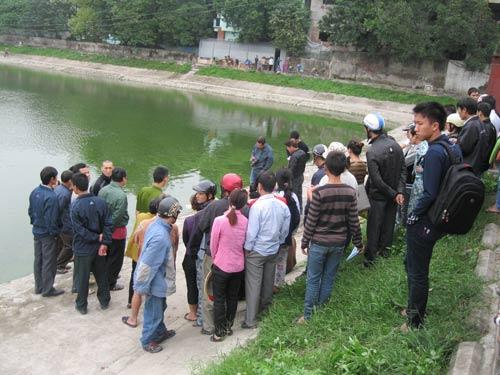HN: Hoảng hốt phát hiện xác bà cụ chết bên hồ - 1