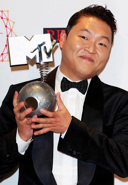 "Gangnam Style ""đánh bại"" sao bự - 1"