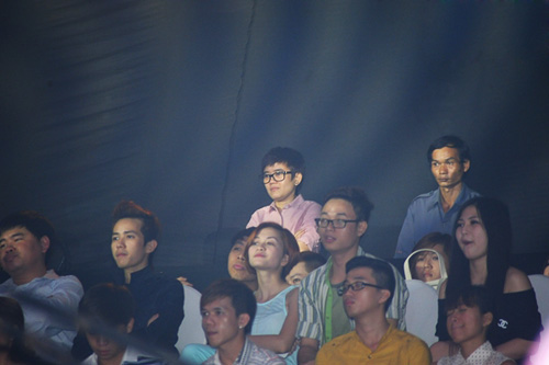 Phương Uyên nắm tay Bảo Trang rời The Voice - 6