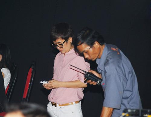 Phương Uyên nắm tay Bảo Trang rời The Voice - 7