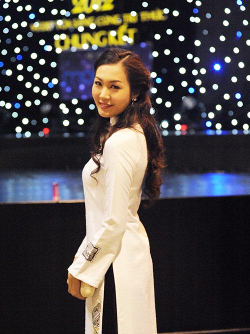 Á hậu Thùy Trang rạng rỡ làm giám khảo - 14