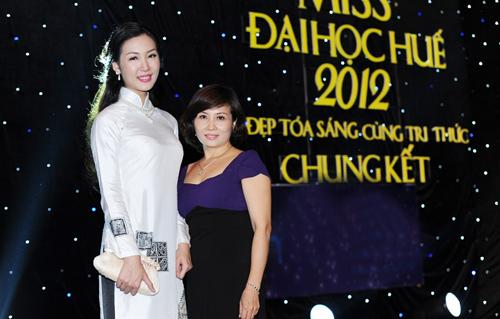 Á hậu Thùy Trang rạng rỡ làm giám khảo - 15