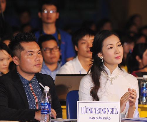 Á hậu Thùy Trang rạng rỡ làm giám khảo - 3