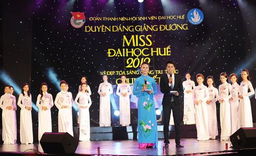 Á hậu Thùy Trang rạng rỡ làm giám khảo - 6