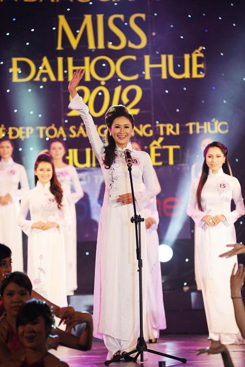 Á hậu Thùy Trang rạng rỡ làm giám khảo - 8
