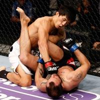 UFC: Đổ máu trên sàn đấu