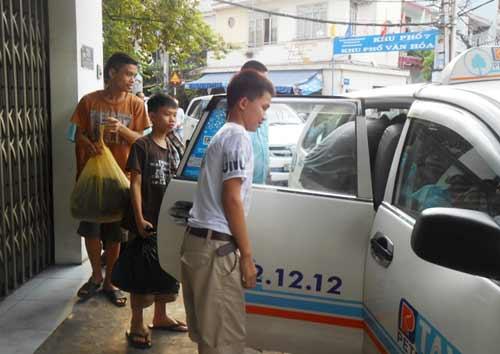 Giải cứu 20 trẻ em lao động tại xưởng may - 2