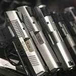 Tin tức trong ngày - Dân Mỹ đua nhau mua súng vì Obama tái cử