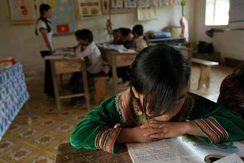 Cô giáo 12 năm đi 55km đến lớp mỗi ngày - 2