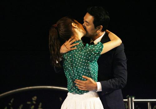 Cảnh hôn nóng rực màn ảnh Hàn - 15