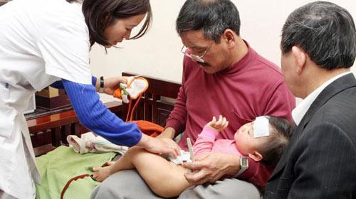 Bác sĩ gia đình: Đang chờ bảo hiểm y tế - 1