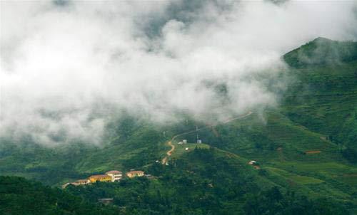 Mây trắng trên đỉnh Hà Giang - 2