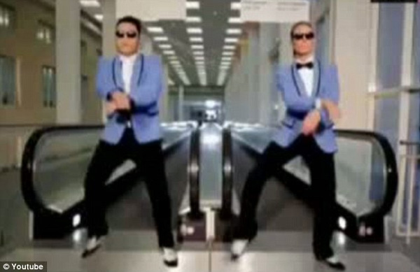 Siêu mẫu 4 con say mê nhảy gangnam style - 3