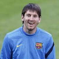 Messi ra yêu sách tăng lương với Barca