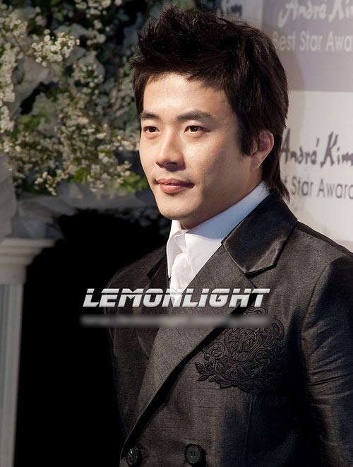 Thiên vương màn ảnh Hàn: Xưa và nay - 17