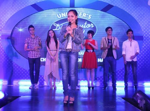 """Đức Trí """"đấu"""" Lưu Thiên Hương tại VN Idol - 3"""