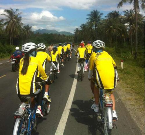 Thu Hiền tham gia đạp xe xuyên Việt - 3