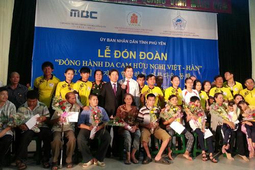 Thu Hiền tham gia đạp xe xuyên Việt - 14