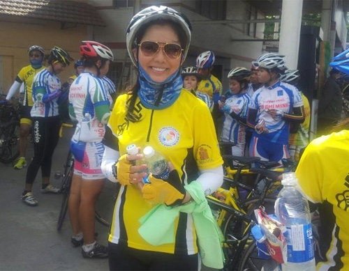 Thu Hiền tham gia đạp xe xuyên Việt - 7
