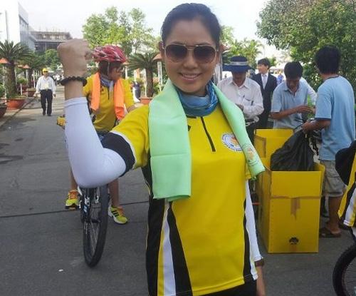 Thu Hiền tham gia đạp xe xuyên Việt - 8