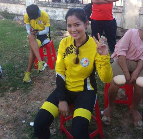 Thu Hiền tham gia đạp xe xuyên Việt - 13