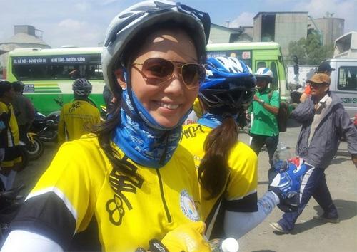 Thu Hiền tham gia đạp xe xuyên Việt - 9