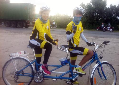 Thu Hiền tham gia đạp xe xuyên Việt - 10