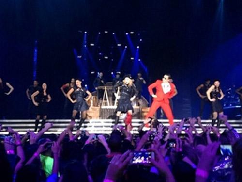 Madonna nhảy Gangnam Style với Psy - 2