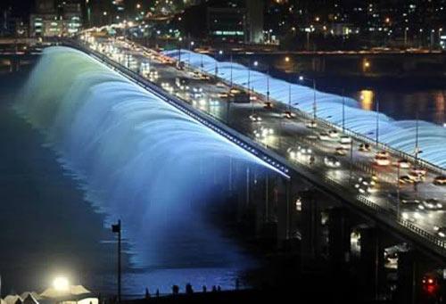 10 đài phun nước lạ kỳ trên thế giới - 13