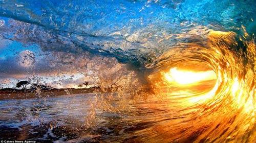 Vẻ đẹp bất ngờ của sóng biển - 2