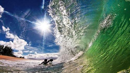 Vẻ đẹp bất ngờ của sóng biển - 4
