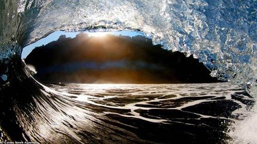 Vẻ đẹp bất ngờ của sóng biển - 6