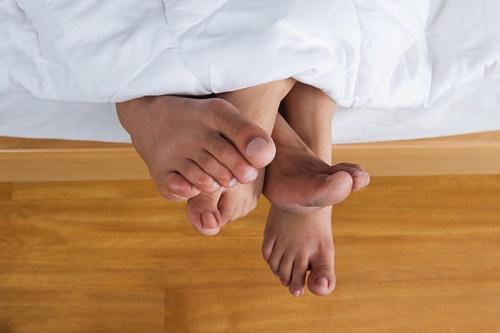 Nguy cơ mắc bệnh vì đổ mồ hôi đêm - 1