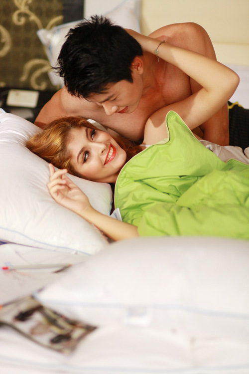 Andrea Aybar nóng bỏng trong phòng ngủ - 4