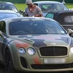 """Ô tô - Xe máy - Balotelli """"phá hủy"""" vẻ mỹ miều của Bentley"""