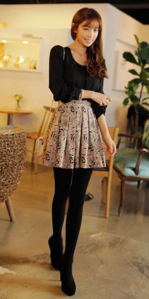 Váy ngắn và legging trẻ trung ngày lạnh - 5