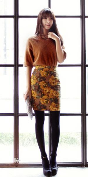 Váy ngắn và legging trẻ trung ngày lạnh - 16