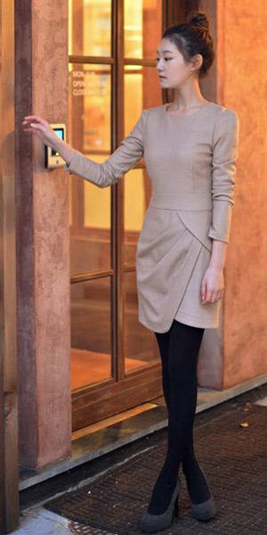 Váy ngắn và legging trẻ trung ngày lạnh - 13