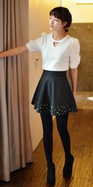 Váy ngắn và legging trẻ trung ngày lạnh - 14