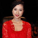 Thời trang - Ngô Thanh Vân nồng nàn sắc đỏ