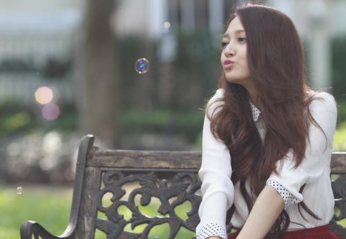 Bảo Anh đẹp hút mắt trong MV mới - 6