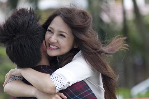 Bảo Anh đẹp hút mắt trong MV mới - 11