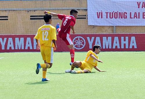Kịch tính ngày thứ 3 thi đấu - Giải bóng đá SV toàn quốc 2012 - 1